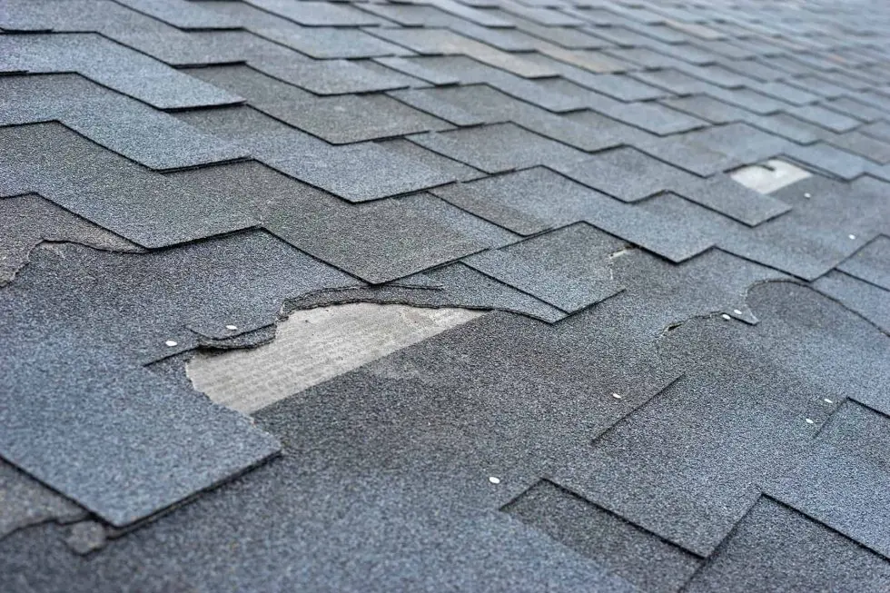 Read more about the article 3 Signs it is Time to Replace Your Roof